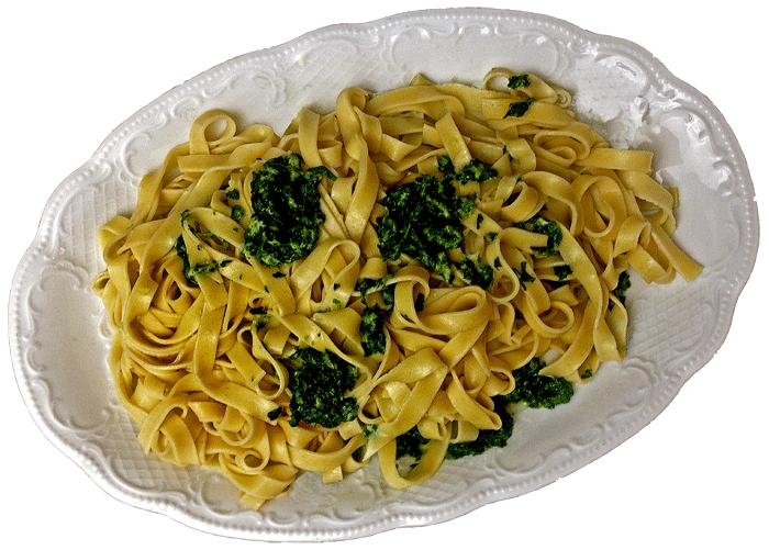 Fettuccine mit Spinat und Käse